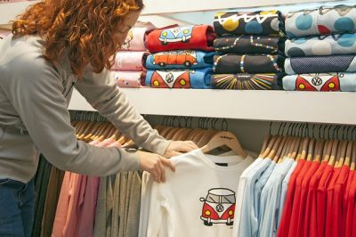 How to millennials shop? Millennial shopping trends and habits