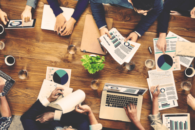 3 Reasons to Use a Marketing Agency vs Hiring In-House