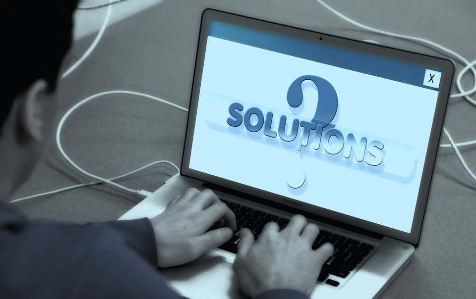 Why Your Business Should Consider Outsourcing IT Services ?